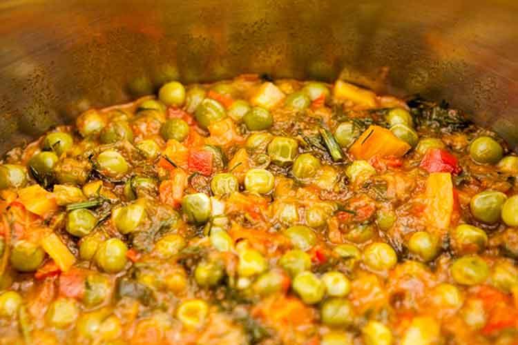 Mâncare de mazăre (Romanian pea stew)