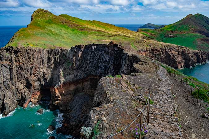 Best Hikes in Madeira you can do without the car - Vereda Pote do Sao Laurenco