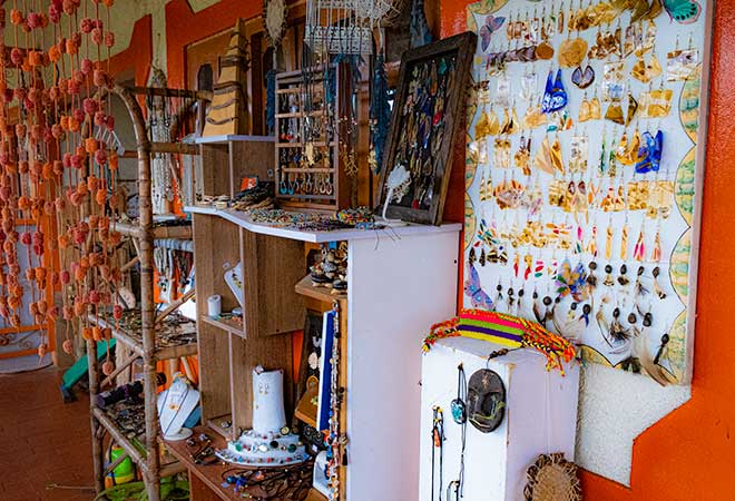 Aldea de Los Artisanos (Artisan Town) / Awesome Things to do in Salento, Colombia / Complete Guide