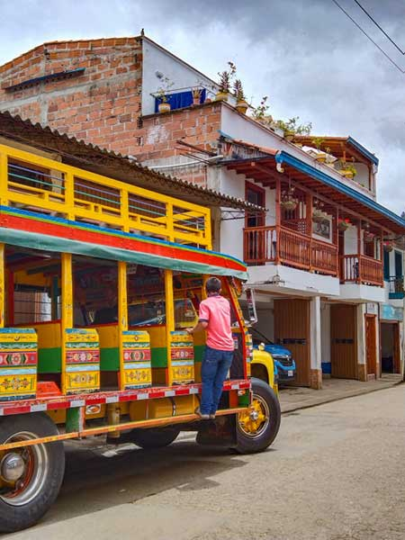 An Ultimate Guide to Solo Female Travel in Colombia / All You Keed to know (2021)