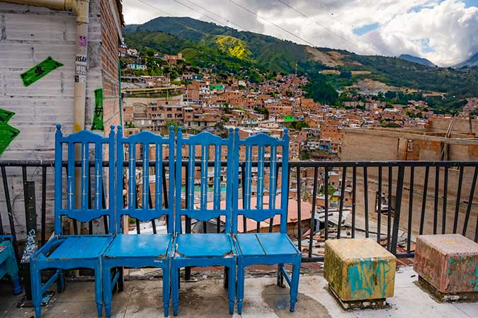 Medellin Comuna 13 / AN ULTIMATE GUIDE TO SOLO FEMALE TRAVEL IN COLOMBIA / ALL YOU NEED TO KNOW (2021)