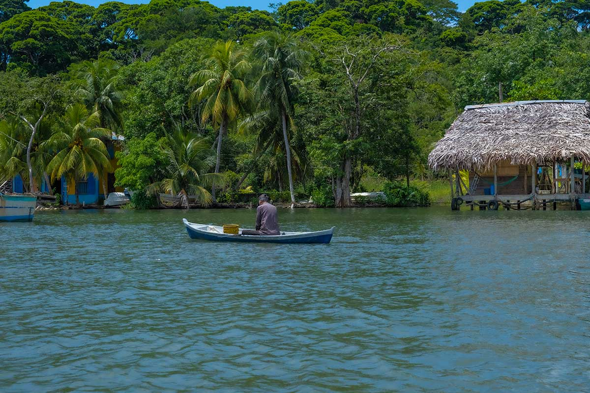 My Quick Guide to Rio Dulce, Guatemala (And why You Should Visit)